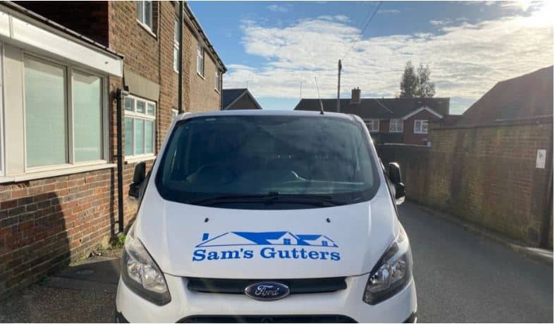 Gutter Cleaning In Bedfont